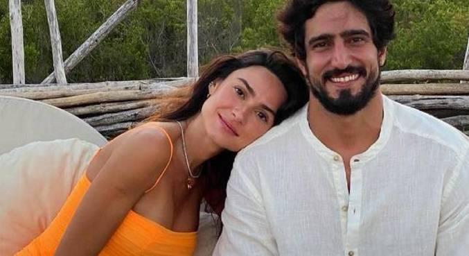 O casal anunciou que está esperando um menino, que se chamará Francisco