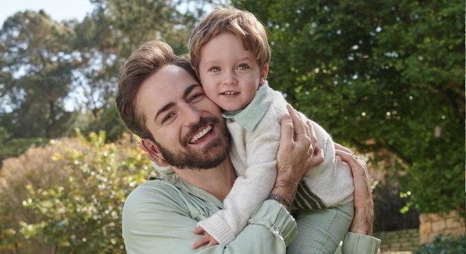 Thales Bretas com o filho Gael, que faz 2 anos nesta segunda