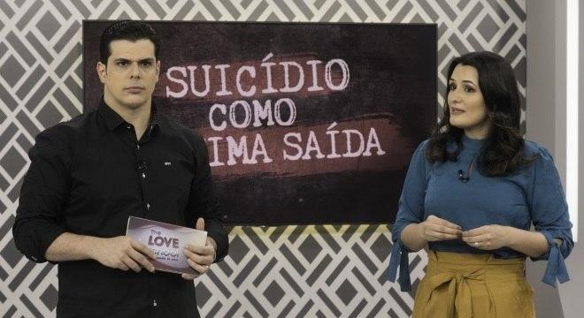 Carlos e Cíntia Cuccato comandam o The Love School deste sábado (25)