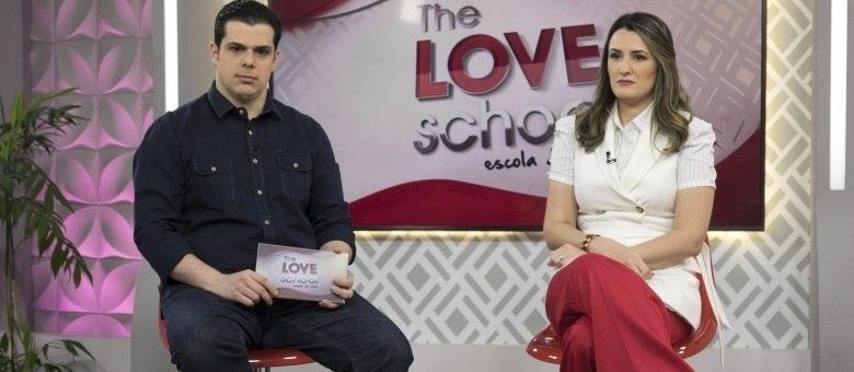 Carlos e Cintia Cuccato apresentam ao vivo o The Love School - Escola do Amor deste sábado (30)