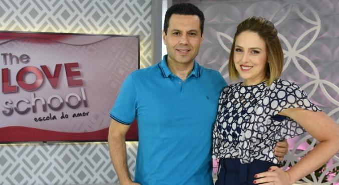 Renato e Cristiane comandam o The Love School deste sábado (9)