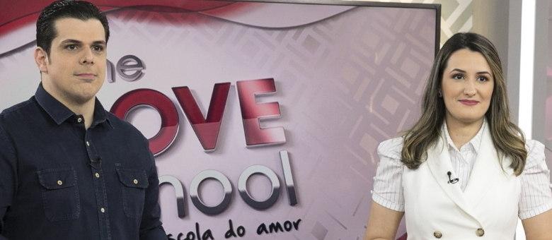 Ao vivo: Carlos e Cintia Cucato comandam o The Love School deste sábado (16), ao meio-dia