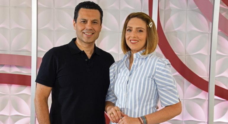 Ao vivo, Renato e Cristiane Cardoso comandam o programa deste sábado (2)