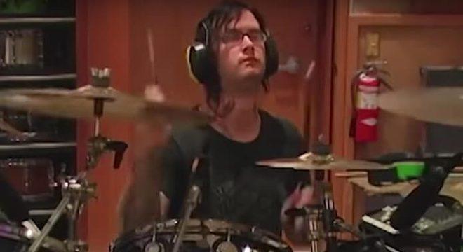 Avenged Sevenfold, The Rev e um take (quase) perfeito de bateria