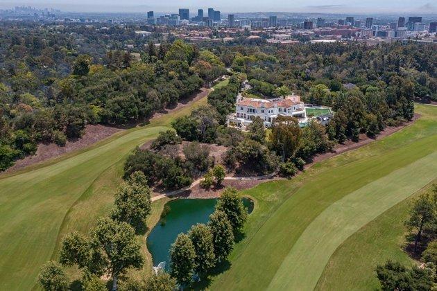 A enorme propriedade de The Weeknd tem vista para o prestigiado Country Club deBel-Air