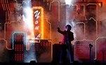 Apesar de se apresentar para o público reduzido em apenas um terço da capacidade total do estádio por causa da pandemia, The Weeknd não deixou a desejar e entregou seus principais hits, comoStarboy, Often, Can't Feel My FaceeI Feel It Coming