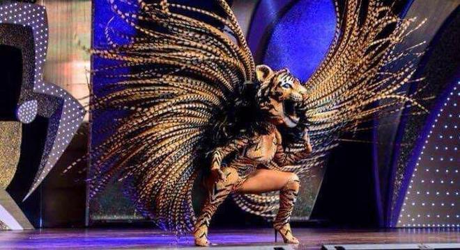Theba Pittyla se transformou em tigresa para ser Rainha do Carnaval