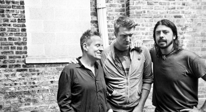 Josh Homme: reunião do Them Crooked Vultures depende de Dave Grohl