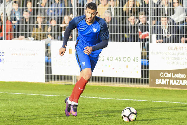 Theo Hernández (França) - fora por opção do treinador