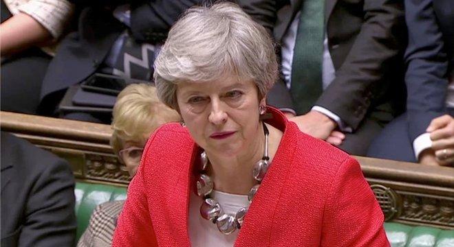 Theresa May lamentou que o Parlamento tenha derrubado o que chamou de 'melhor e único acordo possível'