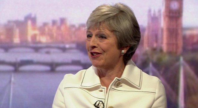 A primeira-ministra Theresa May falou ao programa do jornalista Andrew Mar neste domingo, 15