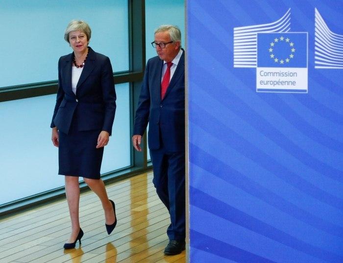 Premiê vai a Bruxelas negociar laços do Reino Unido pós-Brexit