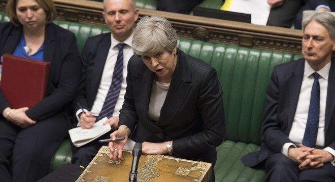 """Na terça, May disse que os membros do Parlamento teriam """"uma última chance"""" de entregar o Brexit à população"""