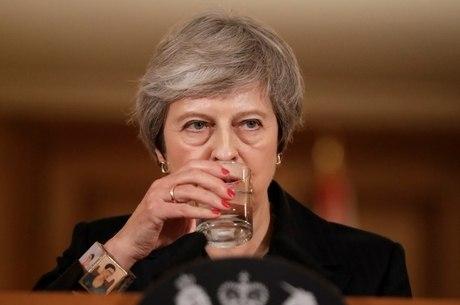 May prometeu continuar lutando por Brexit