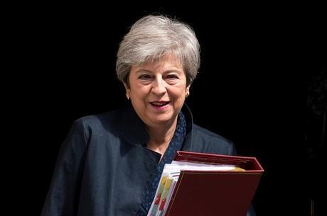 Theresa May seguirá no Parlamento britânico