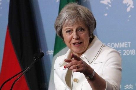 Theresa May afirmou que Rússia precisa mudar atitude