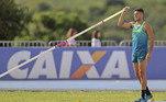 Thiago Braz é o nome do Brasil no salto com vara. O atleta, que conquistou a medalha de ouro na última Olímpiada, entra na disputa às 21h40 junto comAugusto Dutra, outro atleta brasileiro a competir na modalidade