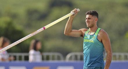 Thiago Braz se prepara para Olimpíada