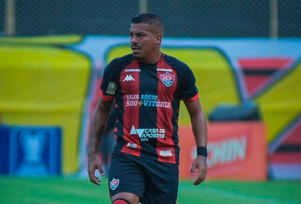 Thiago Carleto: lateral-direito – 32 anos – brasileiro – Fim de contrato com o Vila Nova - Valor de mercado: 1 milhão de euros (cerca de R$ 6 milhões na cotação atual).