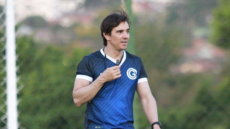 THIAGO LARGHI: O treinador foi contratado pelo Goiás em agosto de 2020 e foi demitido após 38 dias no clube. Está sem clube desde então