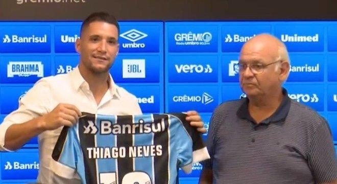 Thiago Neves, de 35 anos, foi dispensado pelo Grêmio no começo da semana