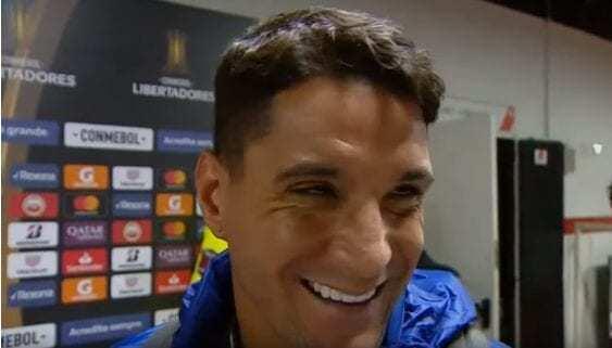 Thiago Neves riu o quanto pôde do Atlético. Agora, rejeitado, não ri mais