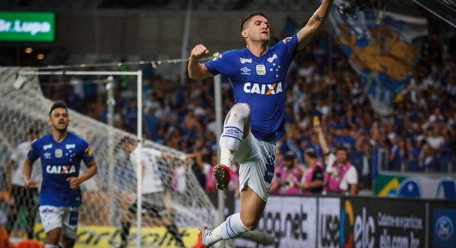 Thiago Neves jogou no Cruzeiro nos últimos dois anos