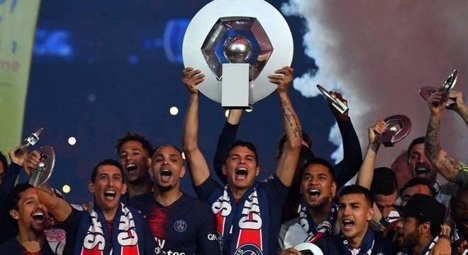 Foram 24 títulos em oito anos no PSG. Mas faltou o principal. A Champions