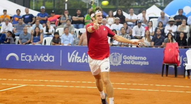 Thiago tem 19 anos e conquistou o ATP de Santiago