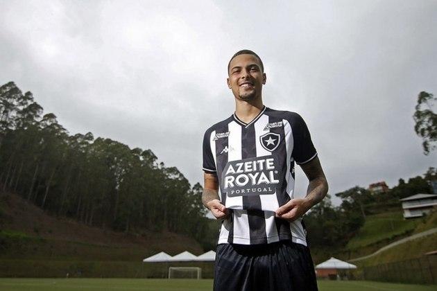 THIAGUINHO atuou em sete partidas pelo Botafogo. A pedido do Corinthians, deixou o Glorioso dois meses depois. Está no CRB.