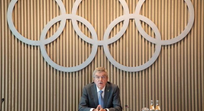 Thomas Bach, presidente do COI, aceita discutir manifestação de atletas