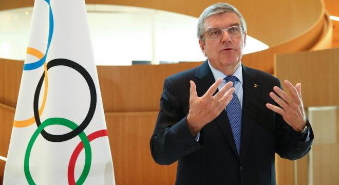 Thomas Bach reforçou que COI quer realizar Olimpíada em 2021