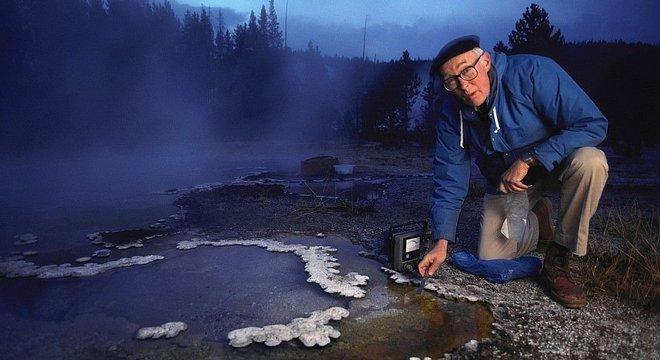 Thomas Brock descobriu em fontes termais de Yellowstone a bactéria que foi fundamental para testes PCR em laboratórios