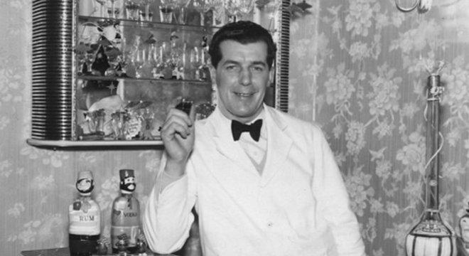 Bromley morreu em 1990