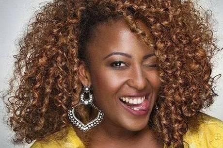 Maíra ficou conhecida na internet por ser defensora dos direitos das mulheres, negros e comunidade LGBT+