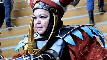 Mulher supera a depressão ao fazer cosplay de personagens famosos (Edu Garcia/R7)