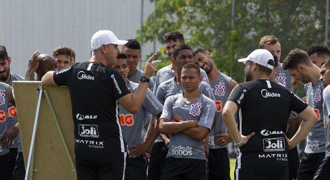 Nunes impôs suas regras no Corinthians. Rejeição como a de Dudamel no Atlético