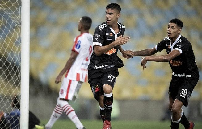 Tiago Reis - Os três gols contra o Bangu soaram como redenção de quem é o atual reserva de Cano. Outro jogador da posição deverá ser contratado nas próximas semanas.