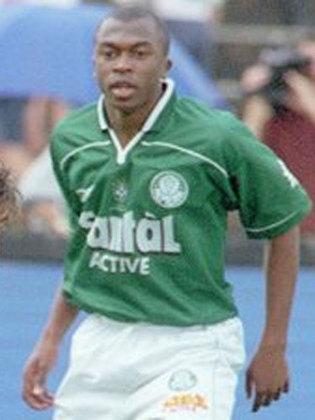 Tiago Silva: Lateral-esquerdo, participou da conquista de 1999 e fez carreira na Bulgária nos anos 2000. Chegou a se naturalizar e atuar pela seleção local. Se aposentou em 2012