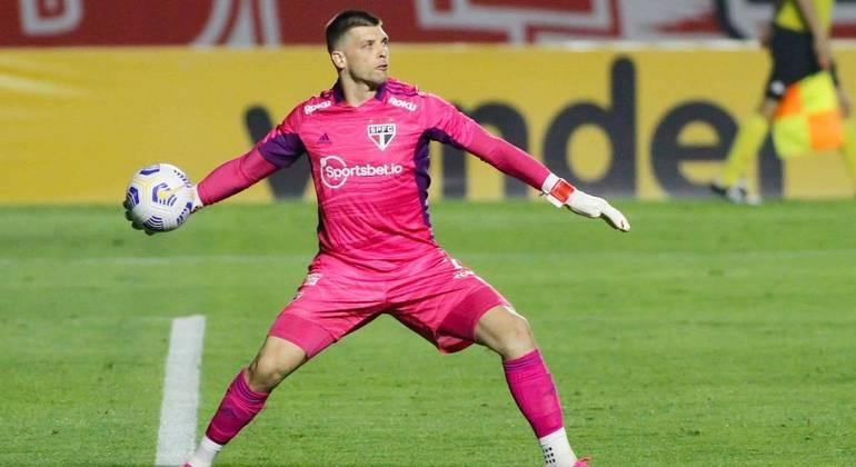 Tiago Volpi foi o melhor jogador do empate em 0 a 0 entre São Paulo e Atlético-MG