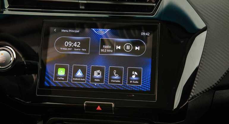 Nova multimídia de 9 polegadas tem conexão com Apple Carplay e Android Auto além de Bluetooth e rádio AM/FM