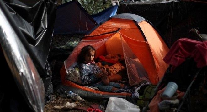Migrantes da América Central acampam em Tijuana