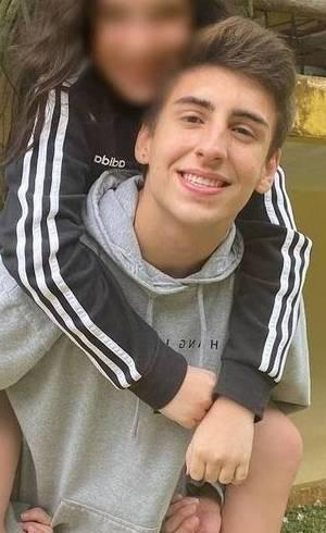 Pietro Riguengo, de 19 anos, e a menina de 12 anos com quem anunciou namoro
