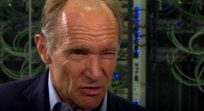 O humor de Tim Berners-Lee mudou quando ele foi perguntado sobre o que aconteceu desde que apresentou sua proposta para a web há 30 anos