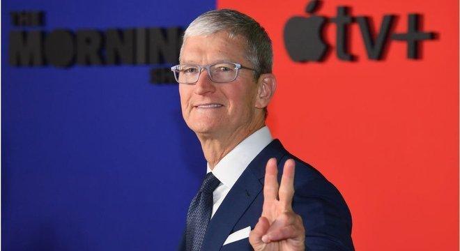 CEO da Apple, Tim Cook; empresa fabricante dos iPhones ultrapassou a marca dos US$ 2 trilhões em valor de mercado
