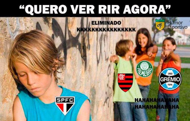 Time comandado por Fernando Diniz venceu o Lanús por 4 a 3, mas acabou dando adeus à Copa Sul-Americana pelo critério de gols marcados fora de casa. Novo vexame do Tricolor fez a alegria dos torcedores rivais na web. Confira os memes na galeria! (Por Humor Esportivo)