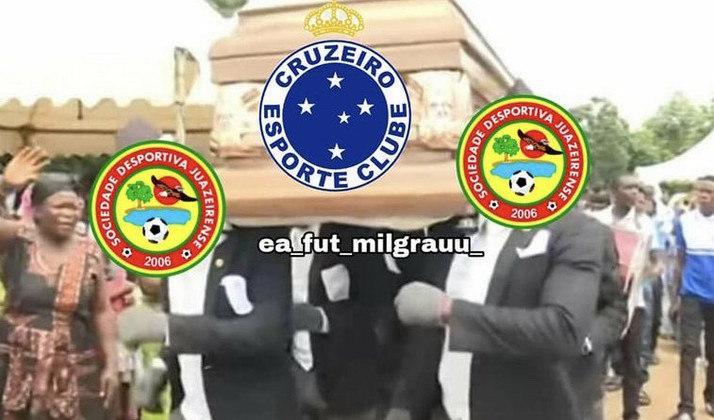 Time mineiro foi derrotado por 1 a 0 no tempo normal e acabou eliminado da Copa do Brasil nos pênaltis. Nos memes, rivais lembraram que o Cruzeiro ainda é o lanterna da Série B. Confira! (Por Humor Esportivo)