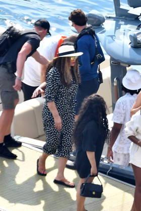 Mãe de Beyoncé, a estilista e empresária Tina Knowles também está participando das férias em família