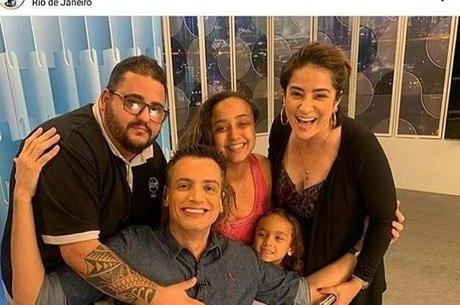 Tio Chico ao lado de Leo Dias à esquerda da imagem
