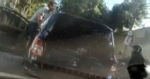 Motorista atira contra motocicleta durante briga de trânsito em BH